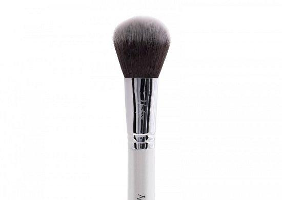 кисточка для нанесения макияжа