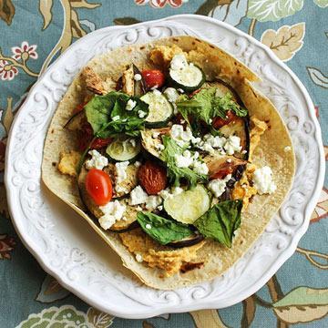 хумус и жареная веганская пицца