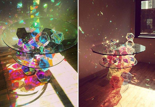 сверкающий стол