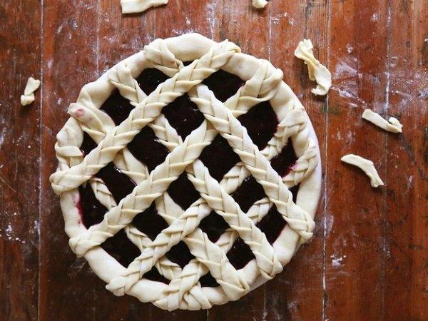 15 оригинальных способов украсить праздничный пирог: сделай из обычного блюда шедевр!