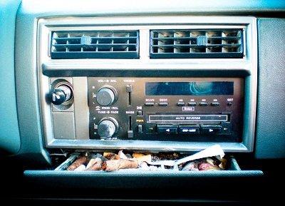 пепельница в машине