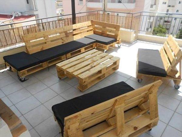 стол и диваны из поддонов