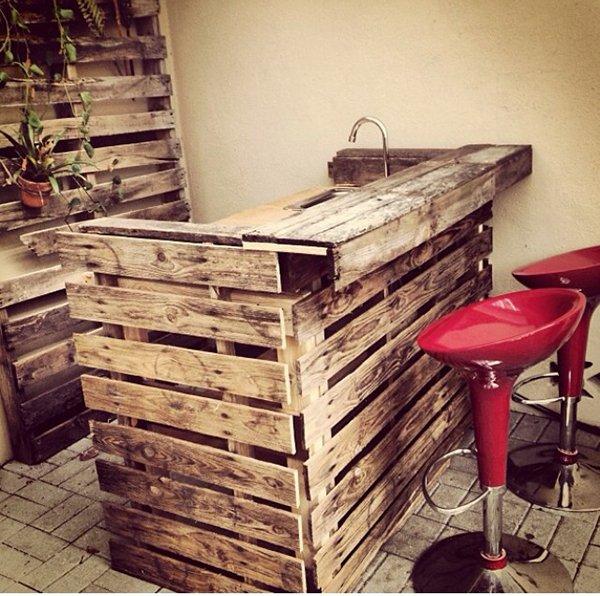 мебель на кухне из поддонов