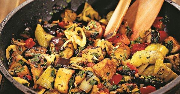 Ароматное и полезное овощное рагу по-грузински. Рецепт неповторимого аджапсандали.