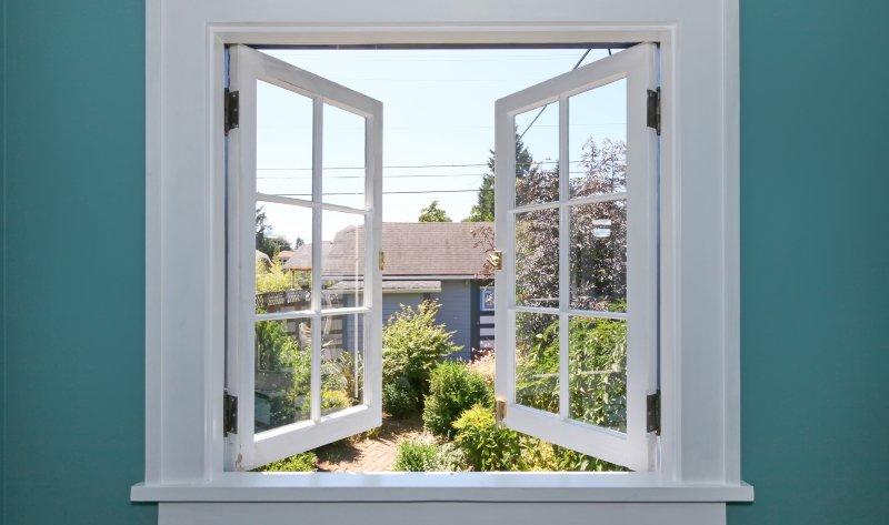 американские окна с подъемными створками