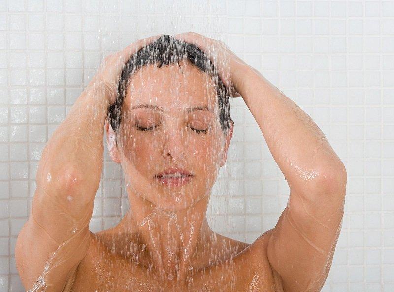 Держу веточку этого растения в ванной, и вот почему… Кожа здоровая, иммунитет крепкий, а волосы сияют как никогда!