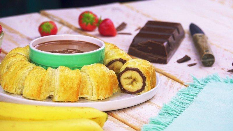 банановый десерт с шоколадом