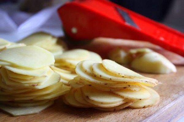 картофельные слайсы