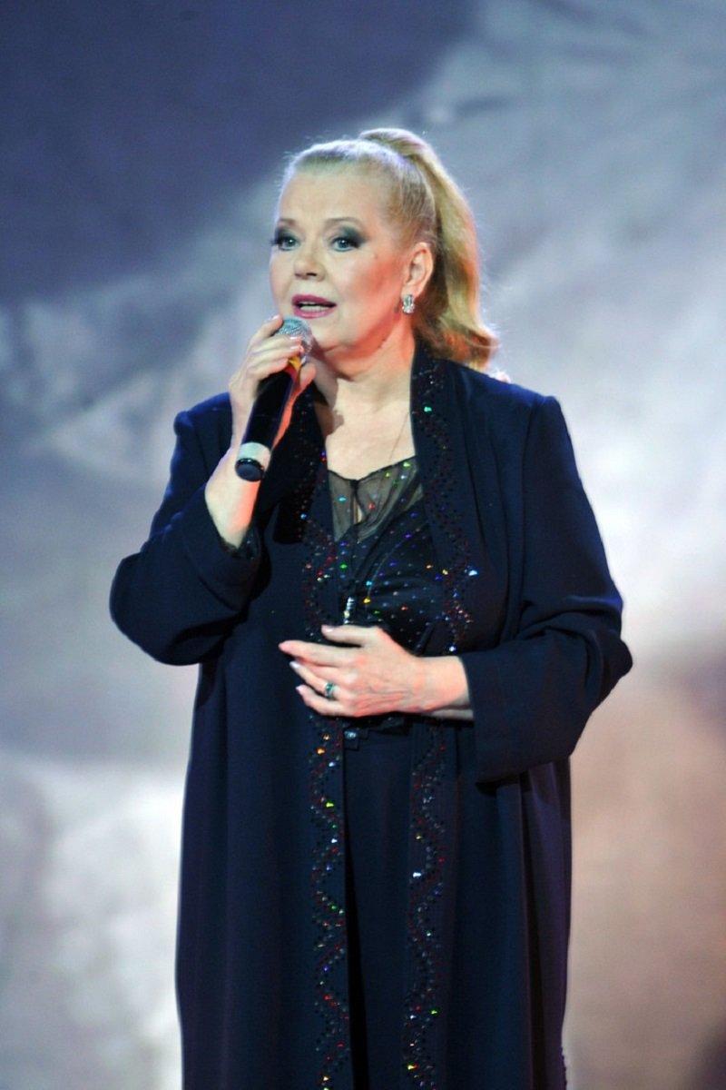 скончалась певица сенчина