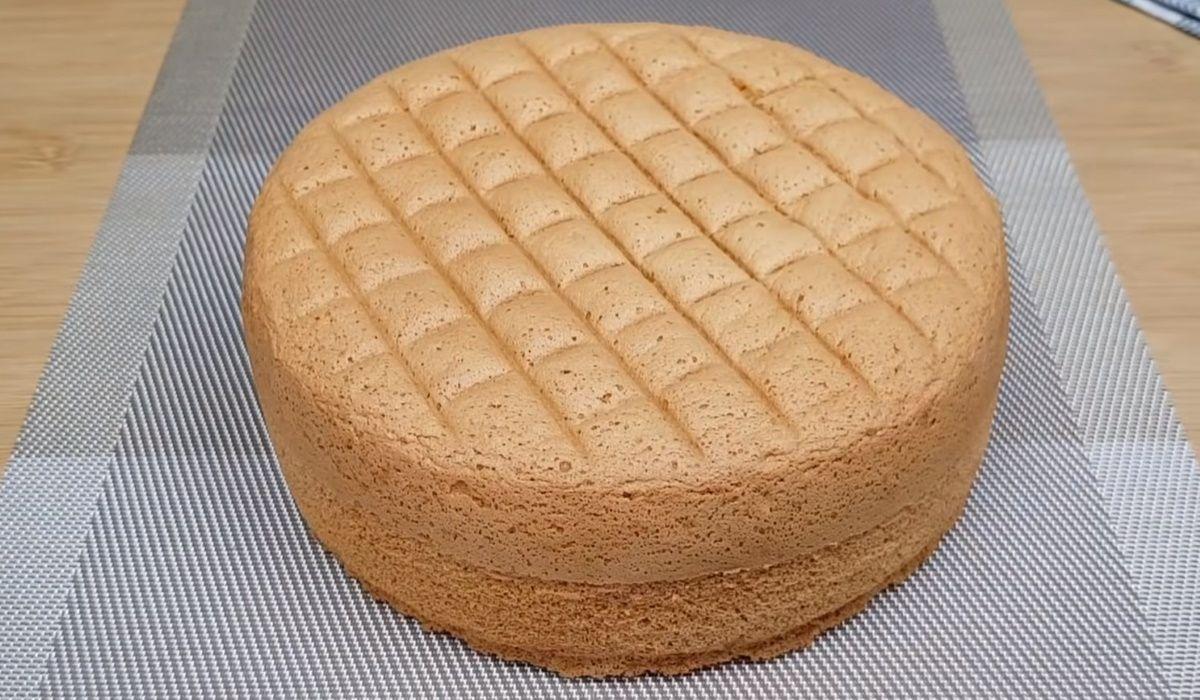 Дотошный кондитер открыл пропорции бисквита, что не опадает даже после холодильника Кулинария,Бисквит,Выпечка,Десерты,Кухня,Яйца