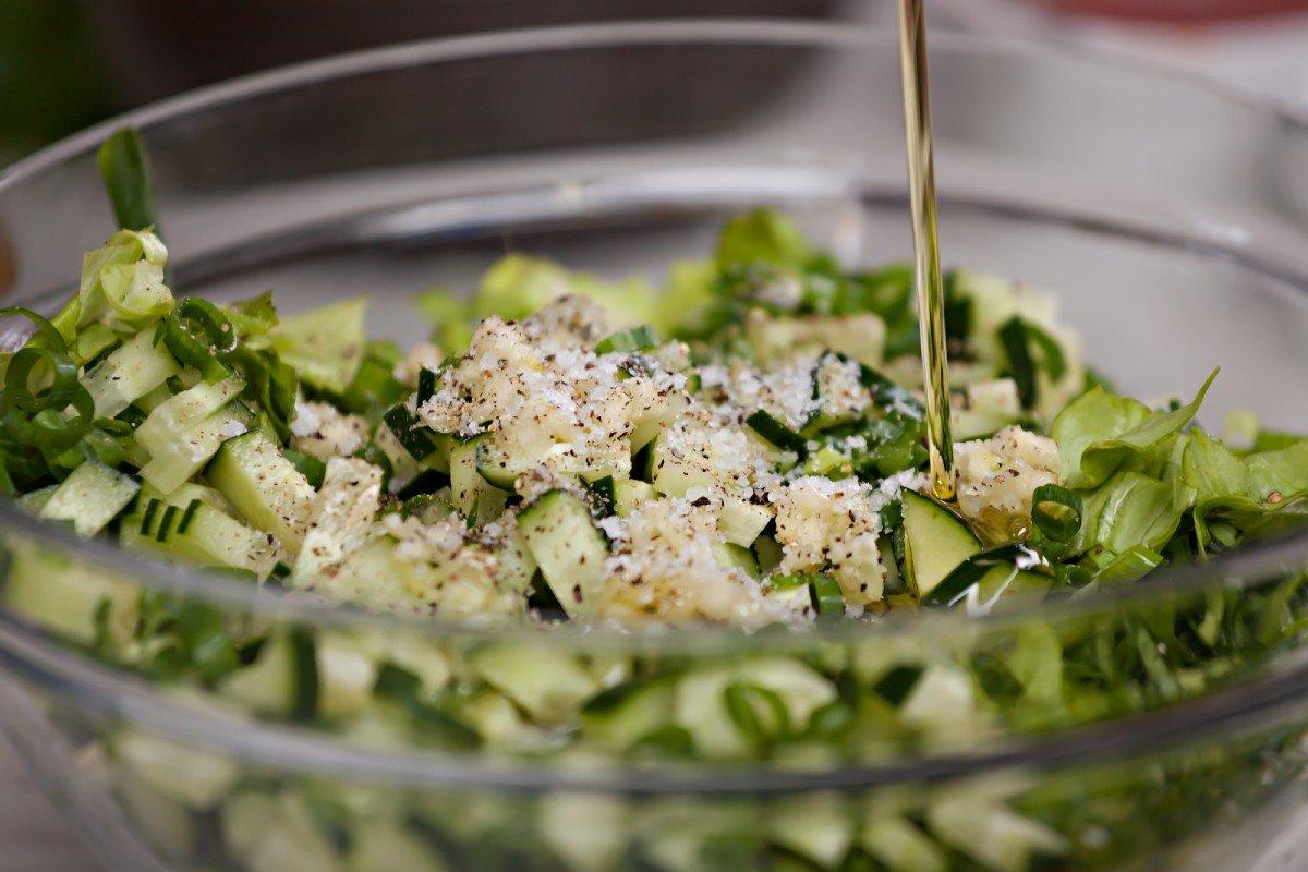 Битые огурцы — название экзотического китайского салата
