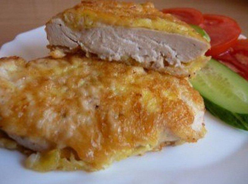 куриные грудки с картофелем, перцем и луком