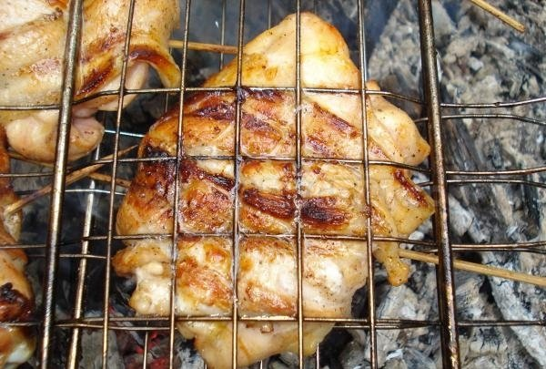 grilovaná kuřecí stehna