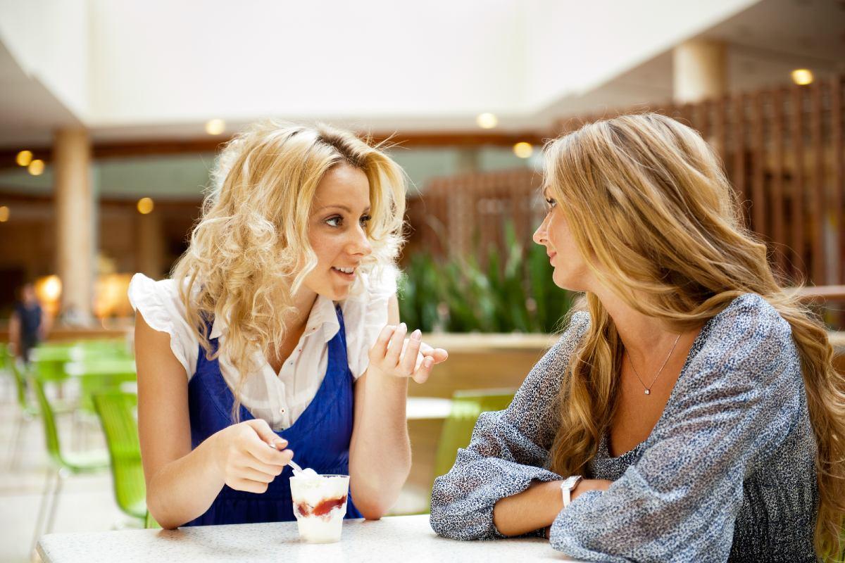 Почему нужно дважды подумать, прежде чем рассказывать посторонним о себе