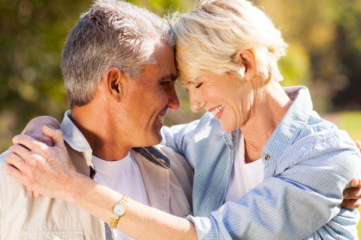 Безутешная жизнь женщины, что пережила развод в 60 лет