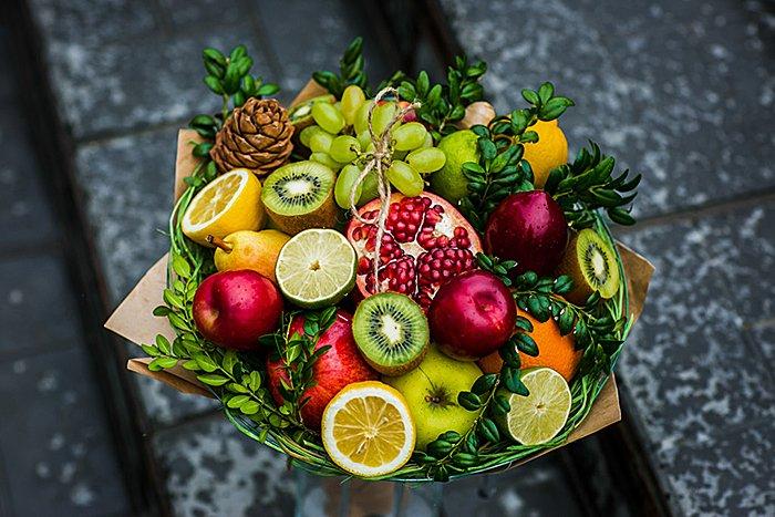 Цветов собрать букет из фруктов и цветов невесты флористической губкой