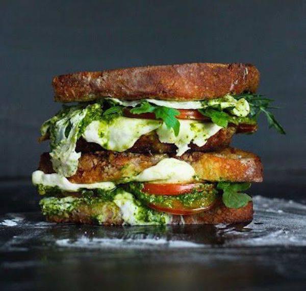 бутерброд с песто