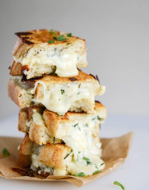 бутерброд с чесноком