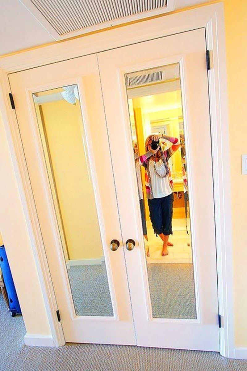 декор дверей и шкафа зеркалами
