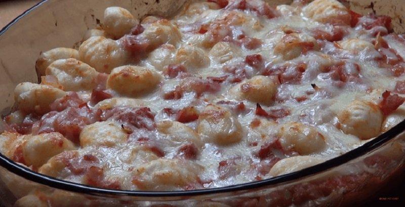 картофельные клецки с томатным соусом