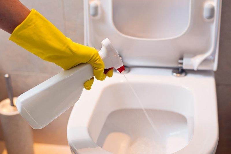vyčistite záchod bez chemikálií