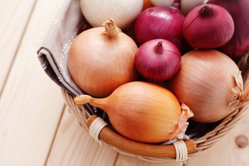 польза лука для желудка