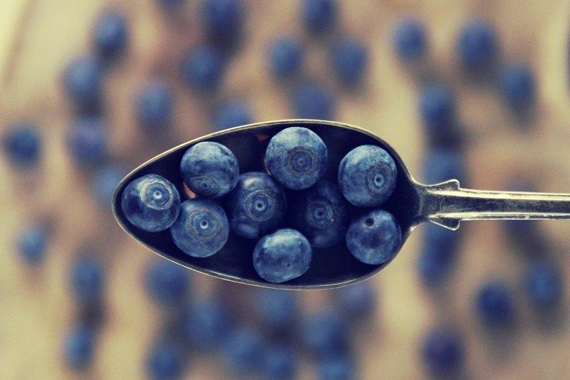 Смородину с черникой перетираю вместе, сохраняю всю целительную соль ягод Вдохновение,Кулинария,Варенье,Закрутки,Сахар,Сладкое,Смородина,Черника