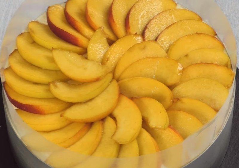 чизкейк с желатином и фруктами