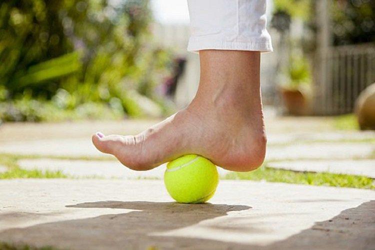 Бабушка каждый день делает эти упражнения и не знает о боли в ногах... Советует всем!
