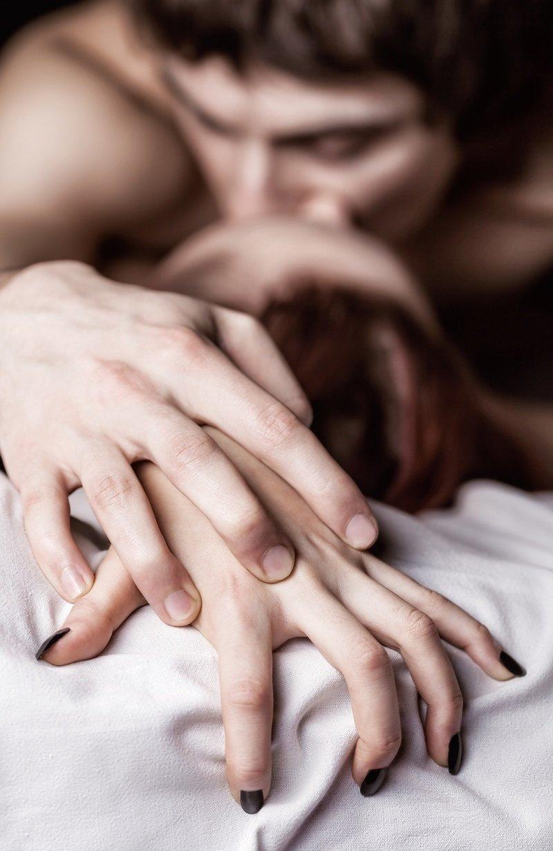 шептать мужчине на ухо во время секса