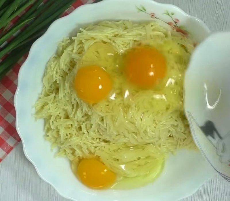 что можно приготовить из макарон и яиц