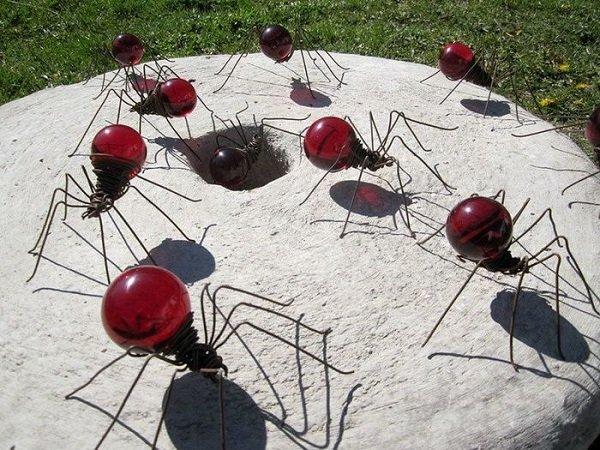 муравьи из лампочек