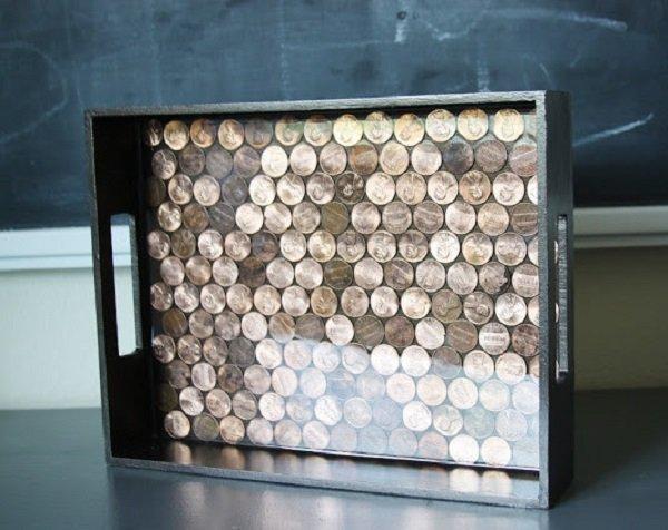 поднос из монет