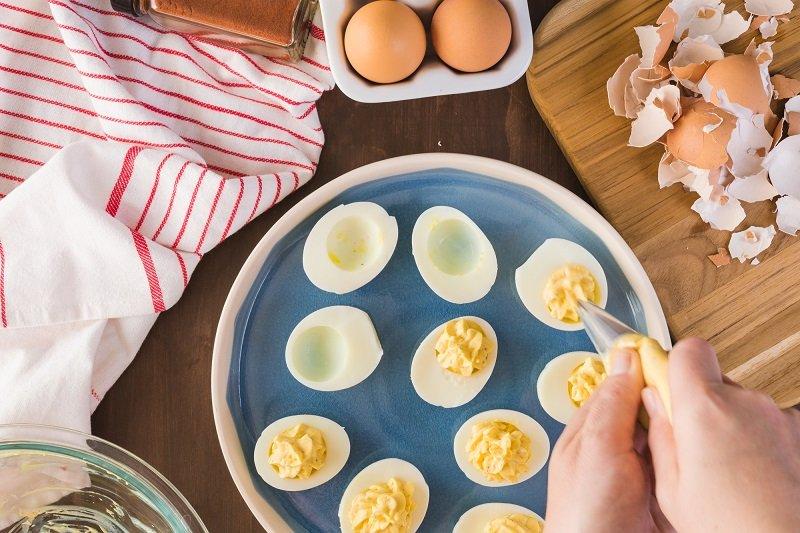 закуска из вареного яйца
