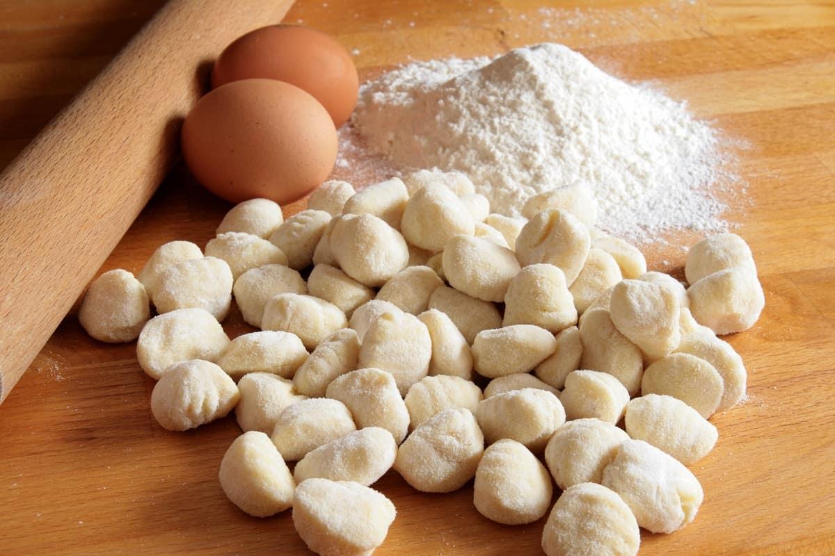 Почему в Италии хозяйки готовят клецки из тыквы, а не из картофеля ньокки, тыквы, можно, Также, очень, грамм, Затем, нужно, добавить, приготовить, орегано, клецки, немного, просто, выкладываем, блюдо, перец, тыкву, варим, кроме
