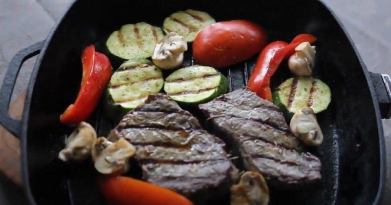 Что приготовить на сковороде гриль дома: три полезных рецепта