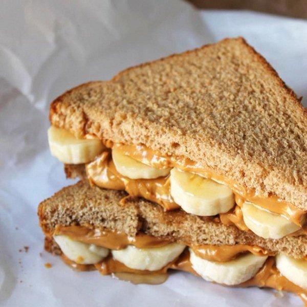 бутерброд с арахисовой пастой