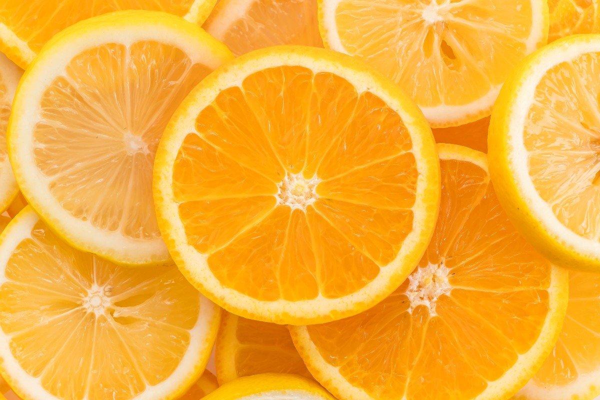 Повариха на пенсии варит дома апельсиновую пасту, чтобы куличи пахли весной