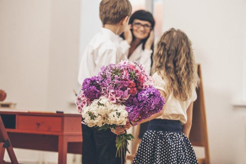 какие цветы на День учителя