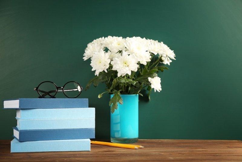 цветы на День учителя дарить