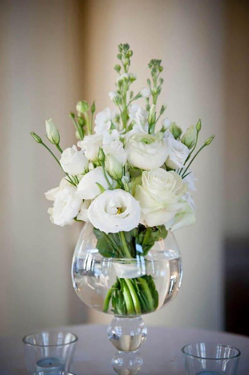 цветы из конфет в бокале