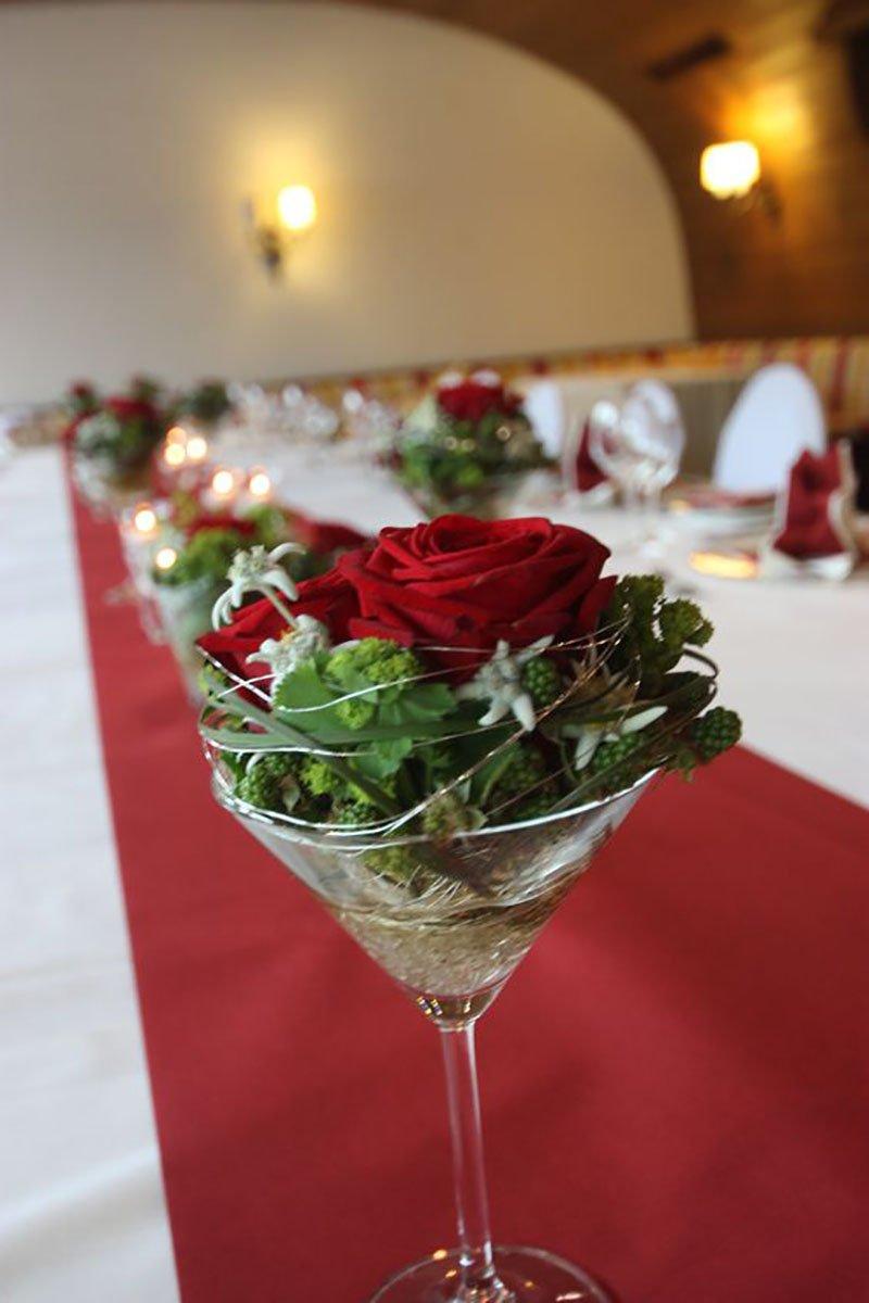 цветы из бисера в бокале