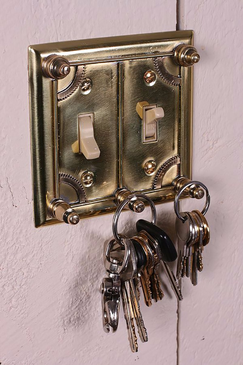 выключатель плюс ключница