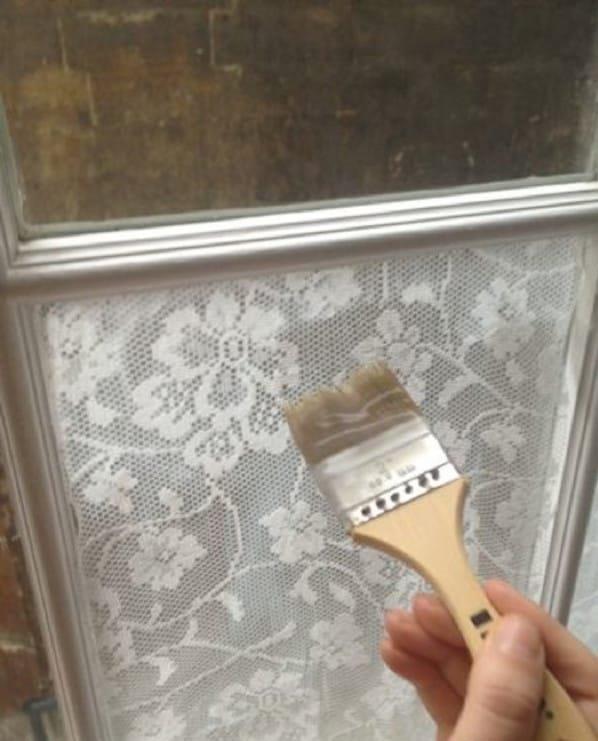 прозорци в декора на дневна