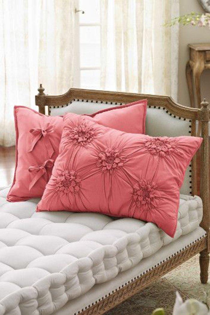 стильные подушки для дома
