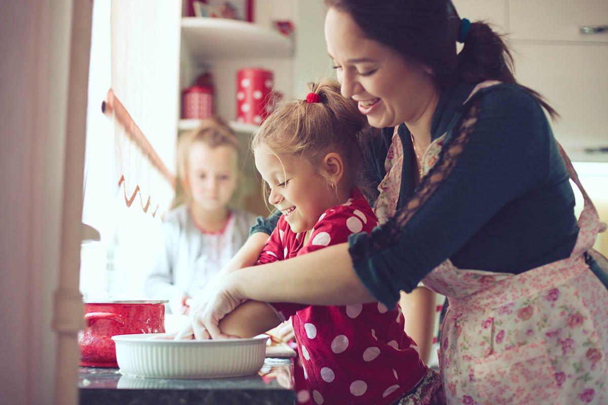 Почему женщина, что растила двоих детей одна, не спешила просить родственников о помощи