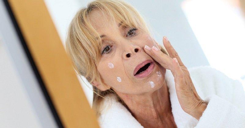 Ошибка женщин: «У меня морщины, поры, овал плывет, но верна я только детскому крему!»