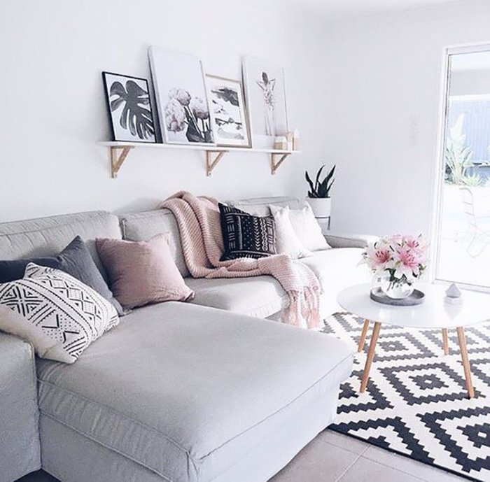 дизайн интерьера гостиной в коттедже