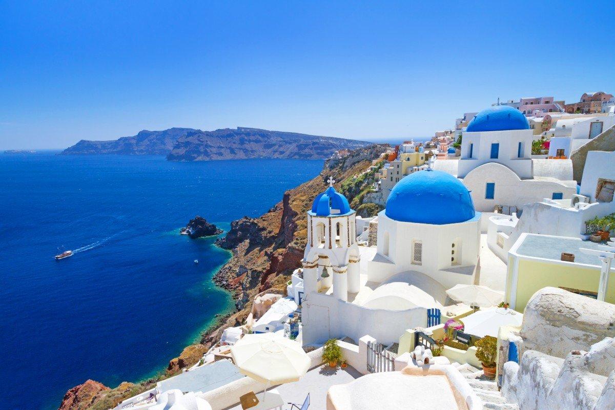 Как греки обустраивают свои дома, чтобы максимально использовать жаркие деньки