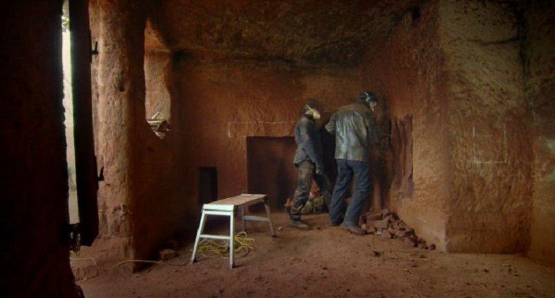как построить красивый дом в пещере